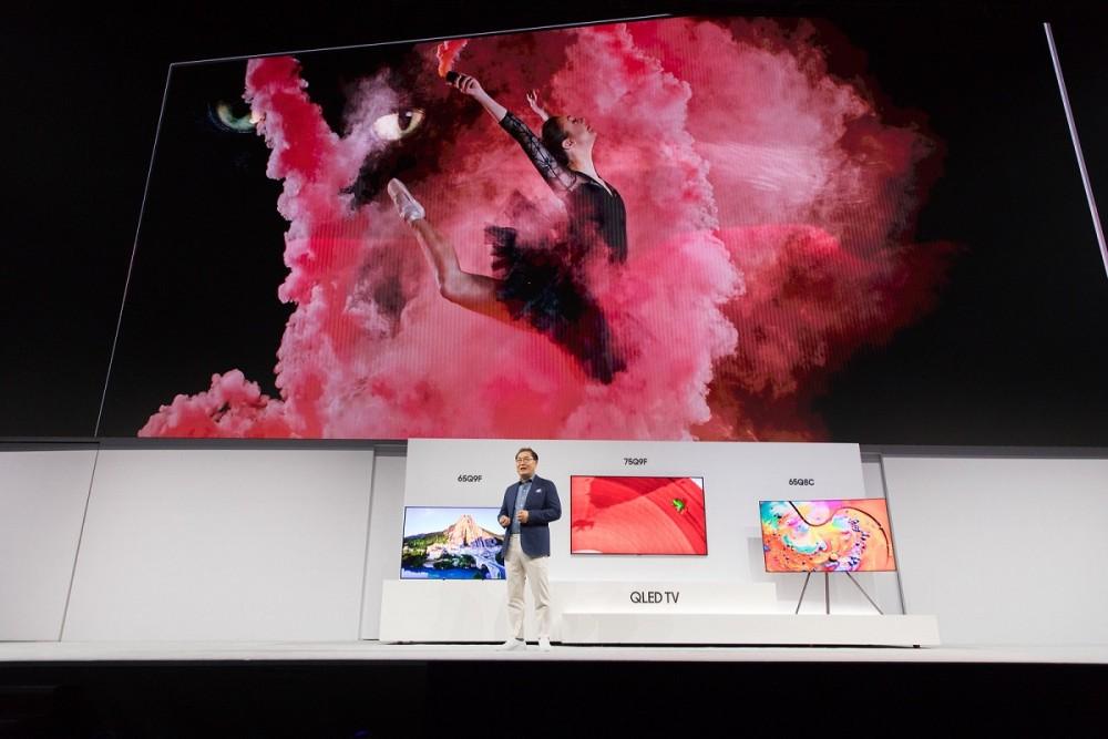 Jonghee Han, President of Visual Display Business at Samsung Electronics, introducing the new 2018 QLED TVs(3)
