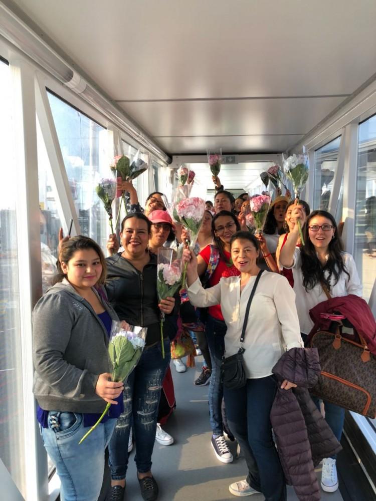Viva Colombia 25 mujeres conocen el mar (2)
