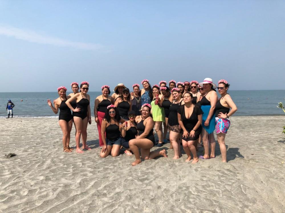 Viva Colombia 25 mujeres conocen el mar (3)