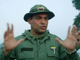 Exjefe paramilitar colombiano Salvatore Mancuso, en lista roja de ...