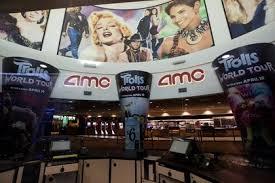 "Esperada película ""Tenet"" recibe elogios en reapertura de cines en ..."