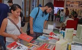 Feria del libro   La Opinión