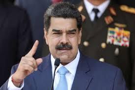 Presidente de Venezuela indulta a un centenar de políticos y activistas
