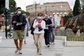 Roma hace obligatorio el uso de mascarilla ante el aumento de casos de  coronavirus Por Reuters